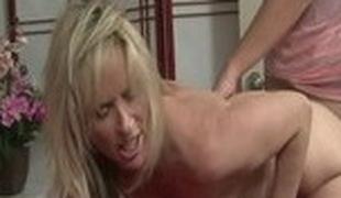 milf store pupper pornostjerne blowjob sædsprut hd rett