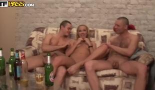 tenåring hardcore blowjob stor kuk russisk hd gruppesex rett
