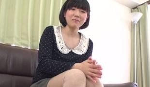 Shy Japanese gal Hana Harusaki gets her pussy hairless