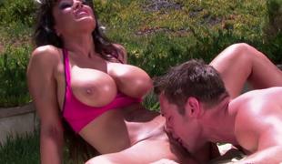 milf kyssing utendørs store pupper pornostjerne blowjob ass curvy fitte slikking