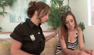 lesbisk milf pornostjerne uniform