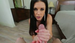 A raven haired bitch is performing a hawt orall-service to a man