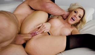 Cougar invites a younger dude over to use his large dick