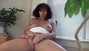 amatør brunette milf onani solo orgasme sperm