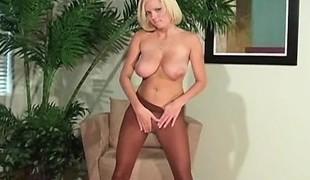 blonde store pupper solo fetish nærhet nylon