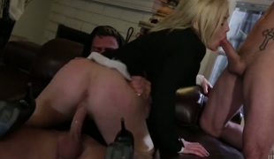 rumpehull anal hardcore blowjob fingring trekant ass-til-munn hd gaping fisting