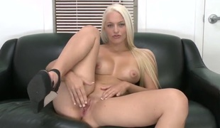 hardcore deepthroat blowjob blowbang hd choking siklende slikking baller tvang blowjob