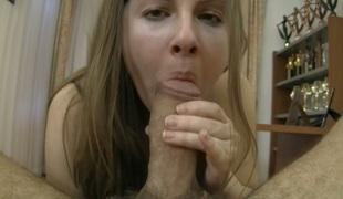 synspunkt tenåring sjarmerende vakker hardcore pornostjerne blowjob ridning cowgirl