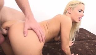 virkelighet blonde hardcore blowjob sædsprut små pupper doggystyle