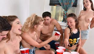 naturlige pupper fest gruppesex