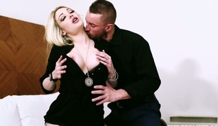 Lusty blonde enchantress Tamara Grace gangbanged hard in bed