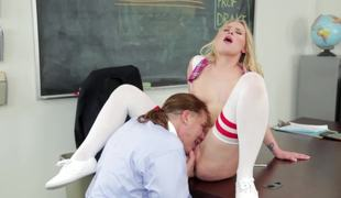 A hardcore babe with a good cunt is fucked in the classroom