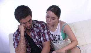 Daisy Summers Cheers Up her Stepbrother with a Handjob