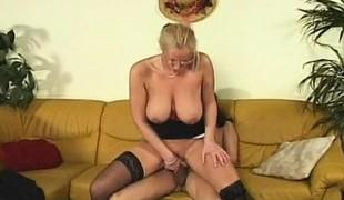 amatør blonde hardcore store pupper blowjob strømper stor kuk