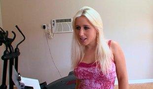 blonde langt hår hardcore slikking store pupper pornostjerne blowjob truser fingring ass