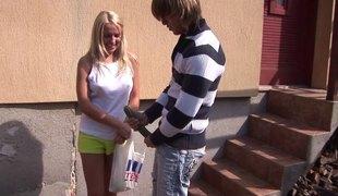 virkelighet tenåring blonde hardcore utendørs par