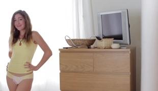 amatør tenåring brunette truser creampie misjonær