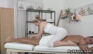 hardcore blowjob sædsprut massasje handjob hd rett