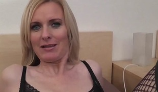 Face Sitting Milf