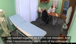 European non-professional sucking doctor before sex