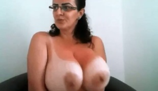 A bit of chunky sexy ladies and their breathtaking large boobies flashed on livecam