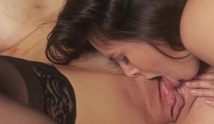 kyssing fanget kjæresten fitte våt orgasme lady brystvorter