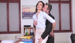 Linda Moretti & Csoky Ice in Business Affairs - 21Sextury