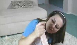 amatør brunette milf sædsprut handjob runking tugjob