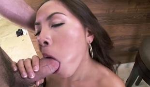 brunette kjønn stor rumpe hardcore deepthroat pornostjerne blowjob sædsprut facial ass